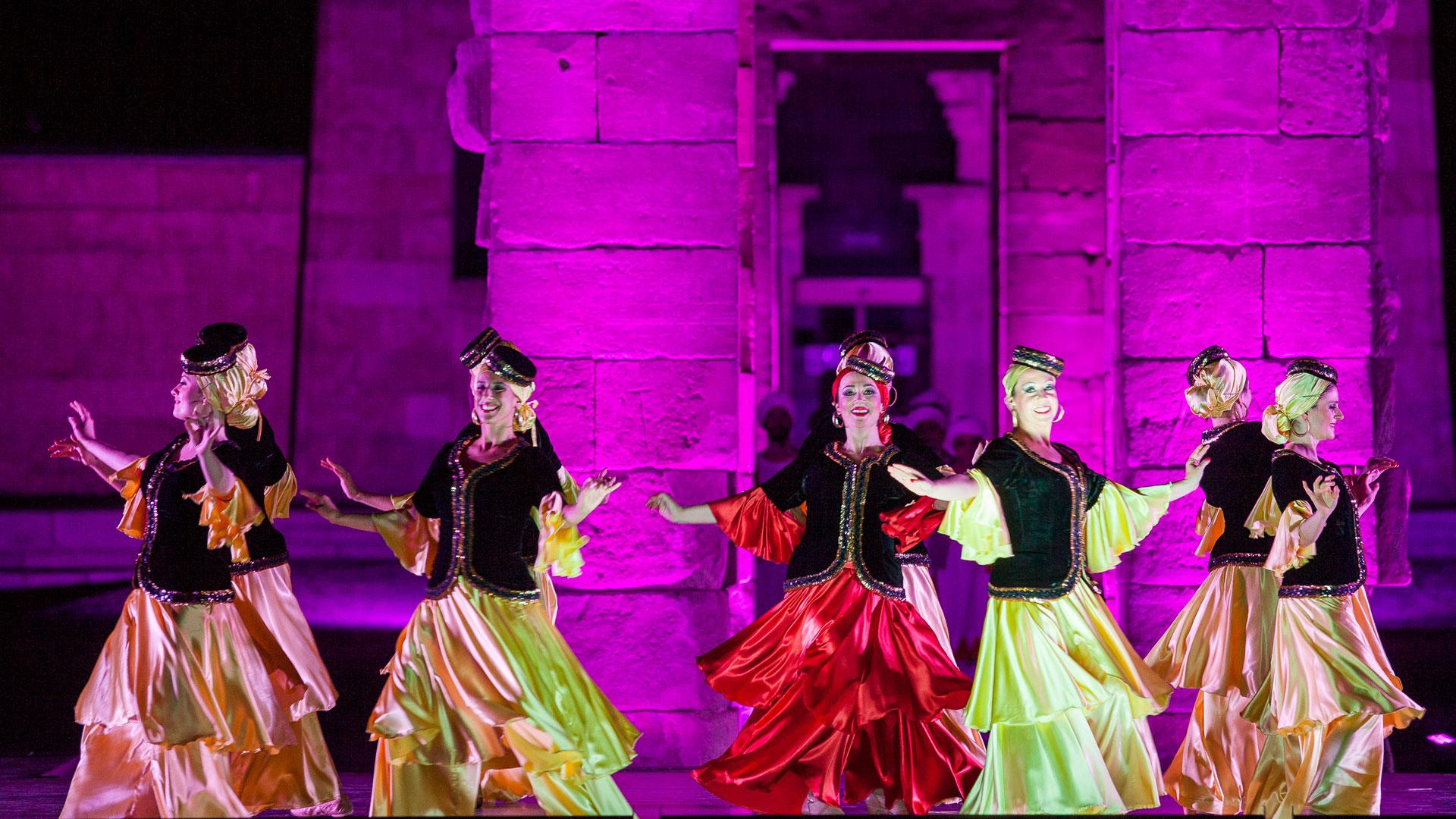 Garib Al Dar Thumbnail